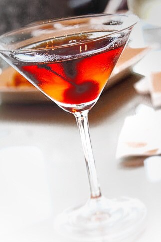 A classic Manhattan cocktail recipe.